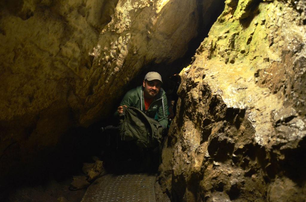Jaskinia Mroźna - wąskie przejście