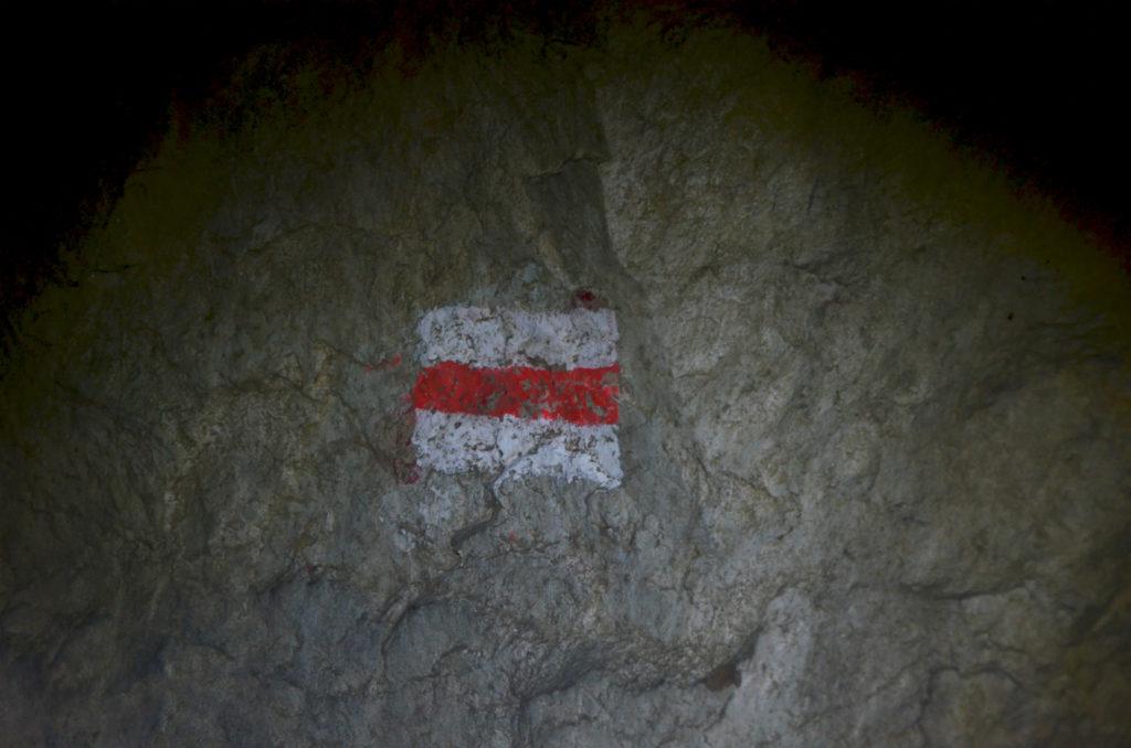 Czerwony szlak w Jaskini Mylnej