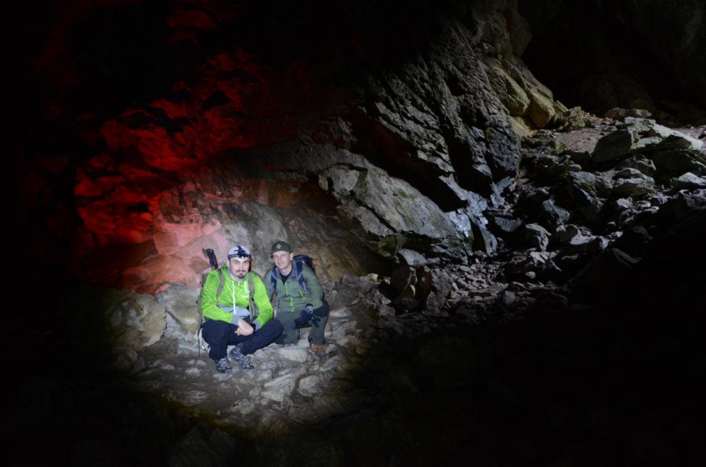 Jaskinia Raptawicka - w świetle czołówek
