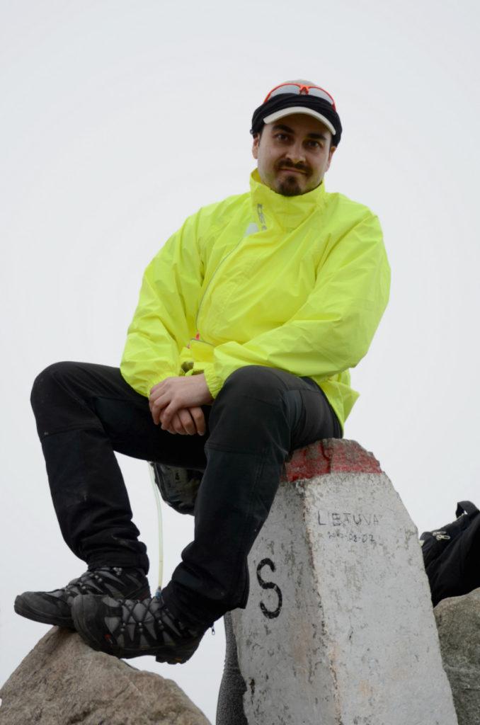 Rysy - na słupku granicznym na szczycie