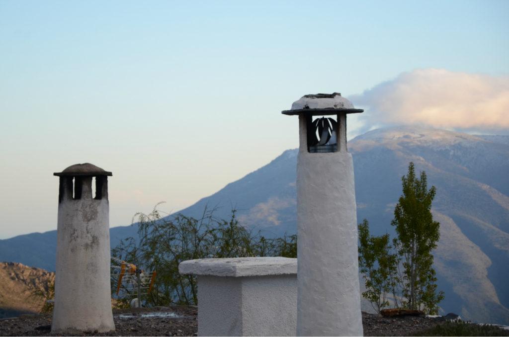 Capileira - charakterystyczne kominy
