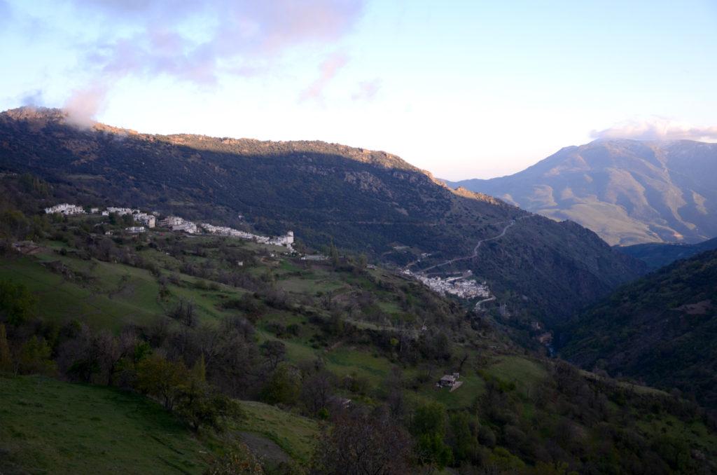 Capileira - widok na Bubión i Pampaneirę