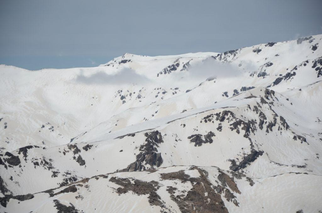 Ośnieżone szczyty Sierra Nevada