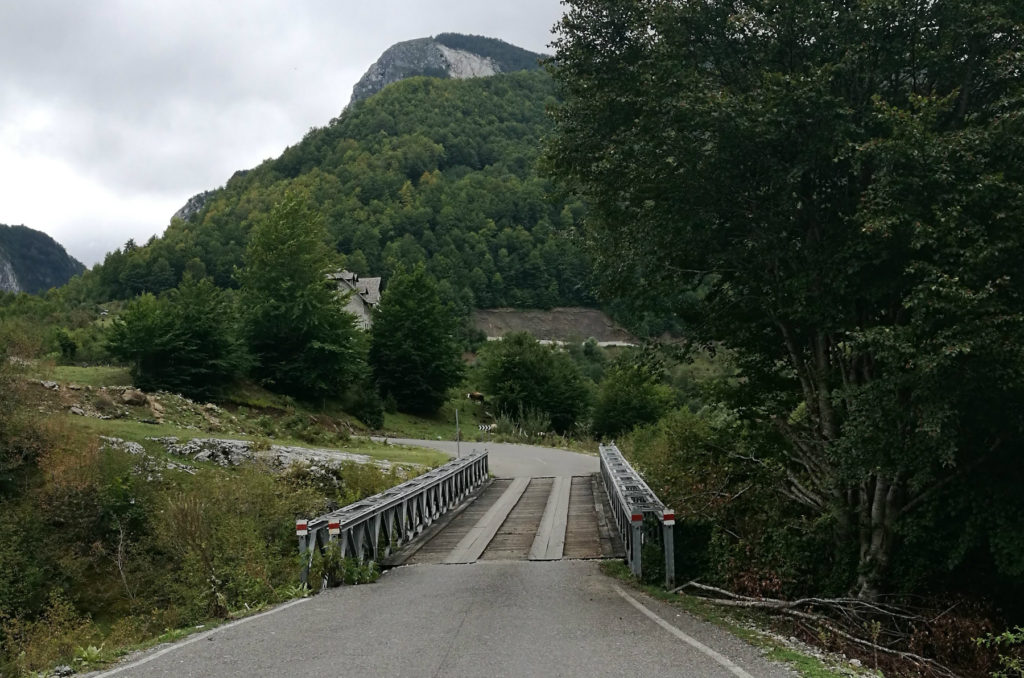 Albania - most na drodze SH20