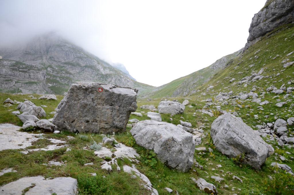 Zla Kolata - za kamieniem w lewo