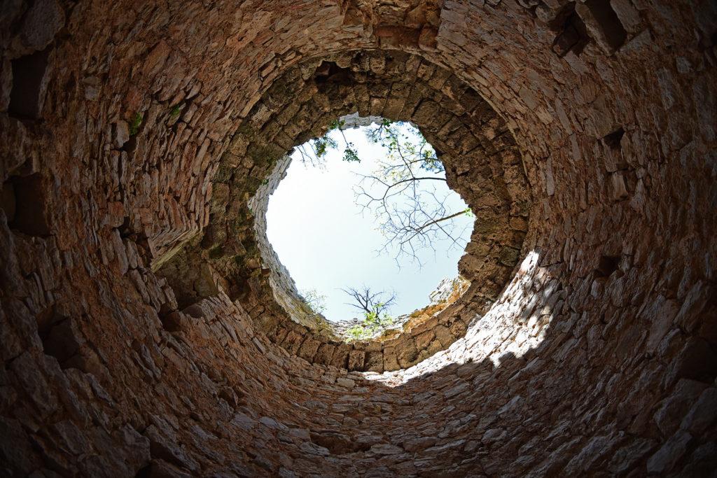 Wnętrze wieży Fortu Glavaš