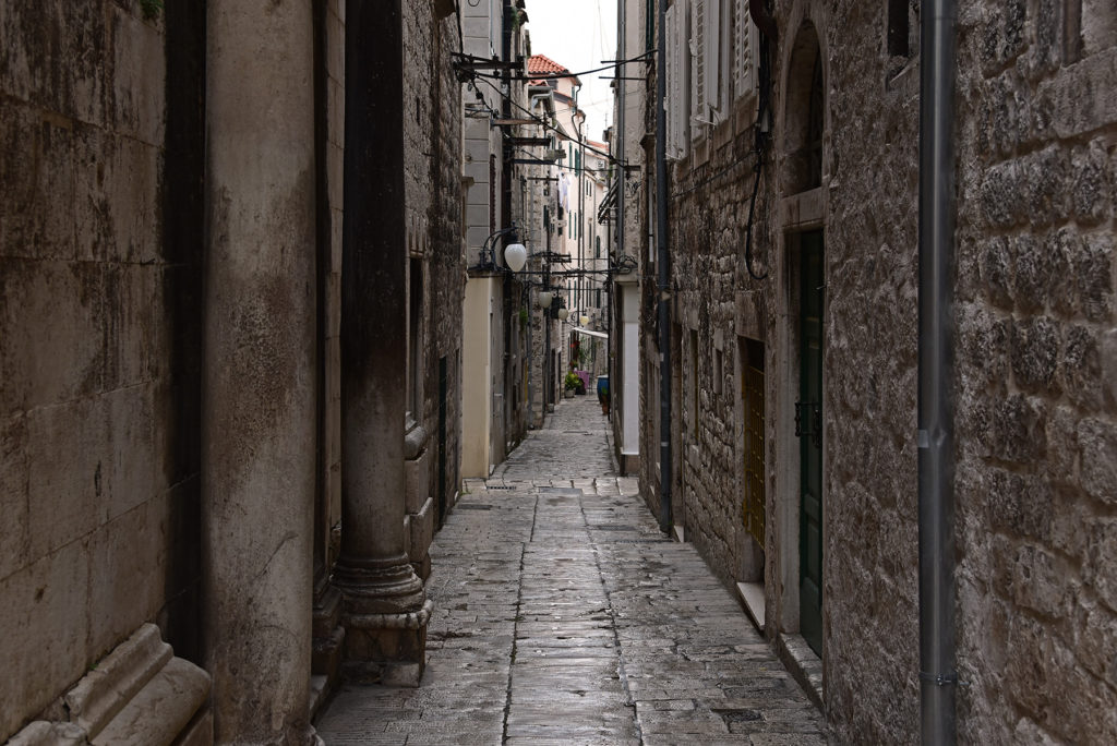 Szybenik - wąska uliczka