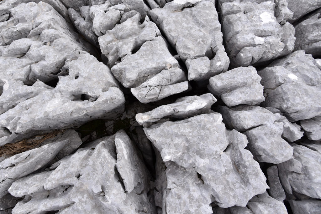 Vrh Dinare - skalny szlak zbliżenie