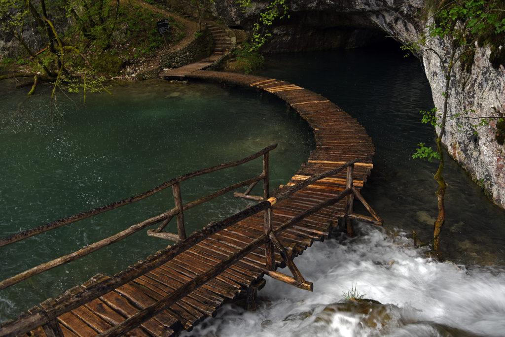 Plitwickie Jeziora - zamknięty szlak do jaskini