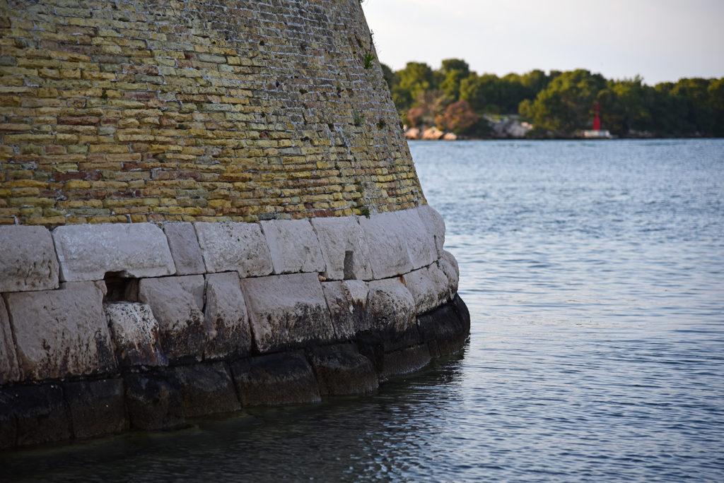 Szybenik - południowo-wschodnia ściana Twierdzy świętego Mikołaja