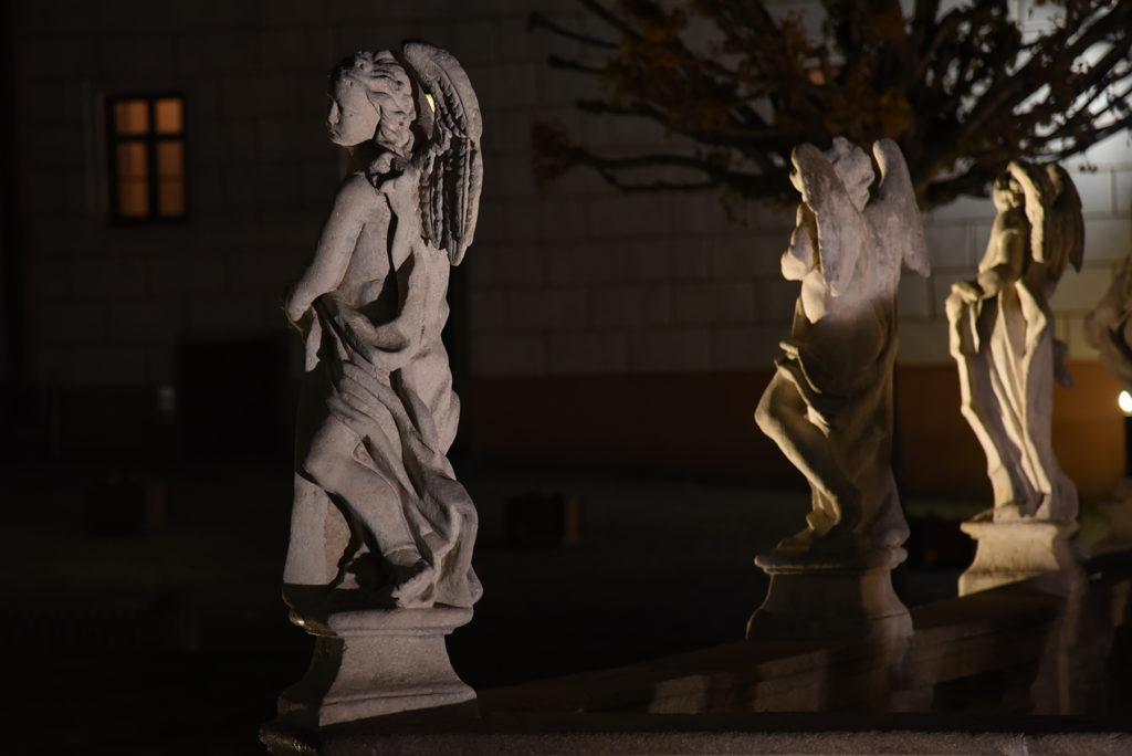 Telcz - rzeźby z kolumny morowej