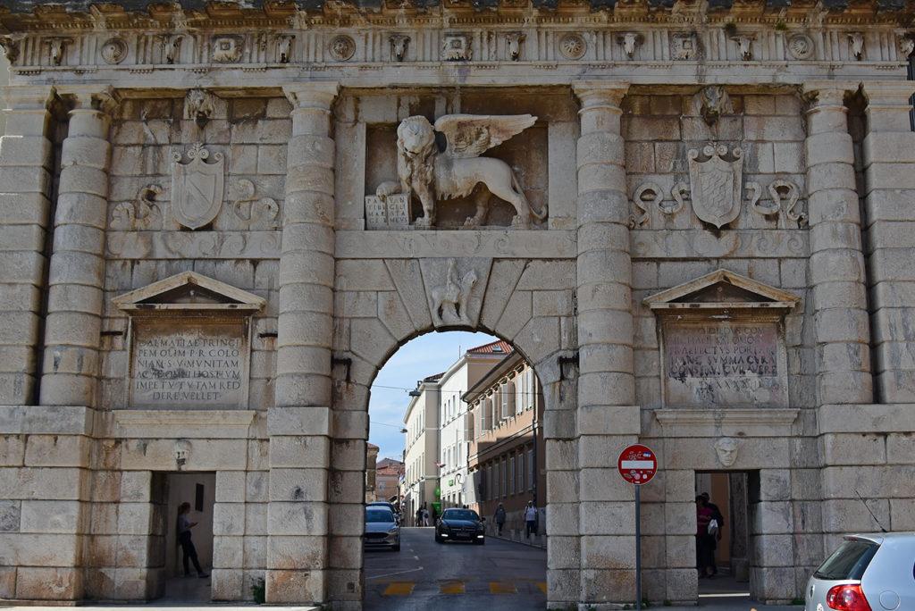 Zadar - mury obronne - Brama Lądowa