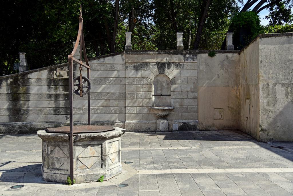 Zadar - mury obronne - Plac Pięciu Studni