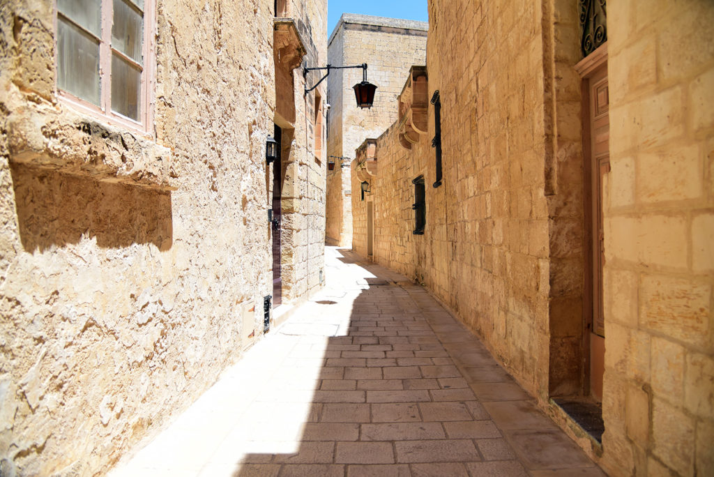 Mdina - jedna z wąskich uliczek miasta