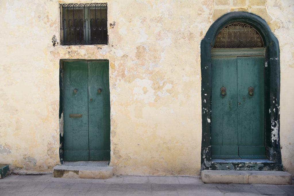 Mdina - zielone drzwi