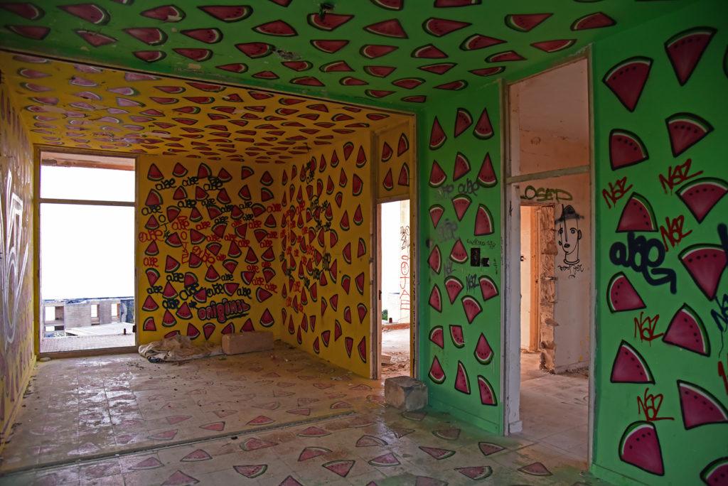 Opuszczona miejscowość White Rocks - arbuzowy pokój