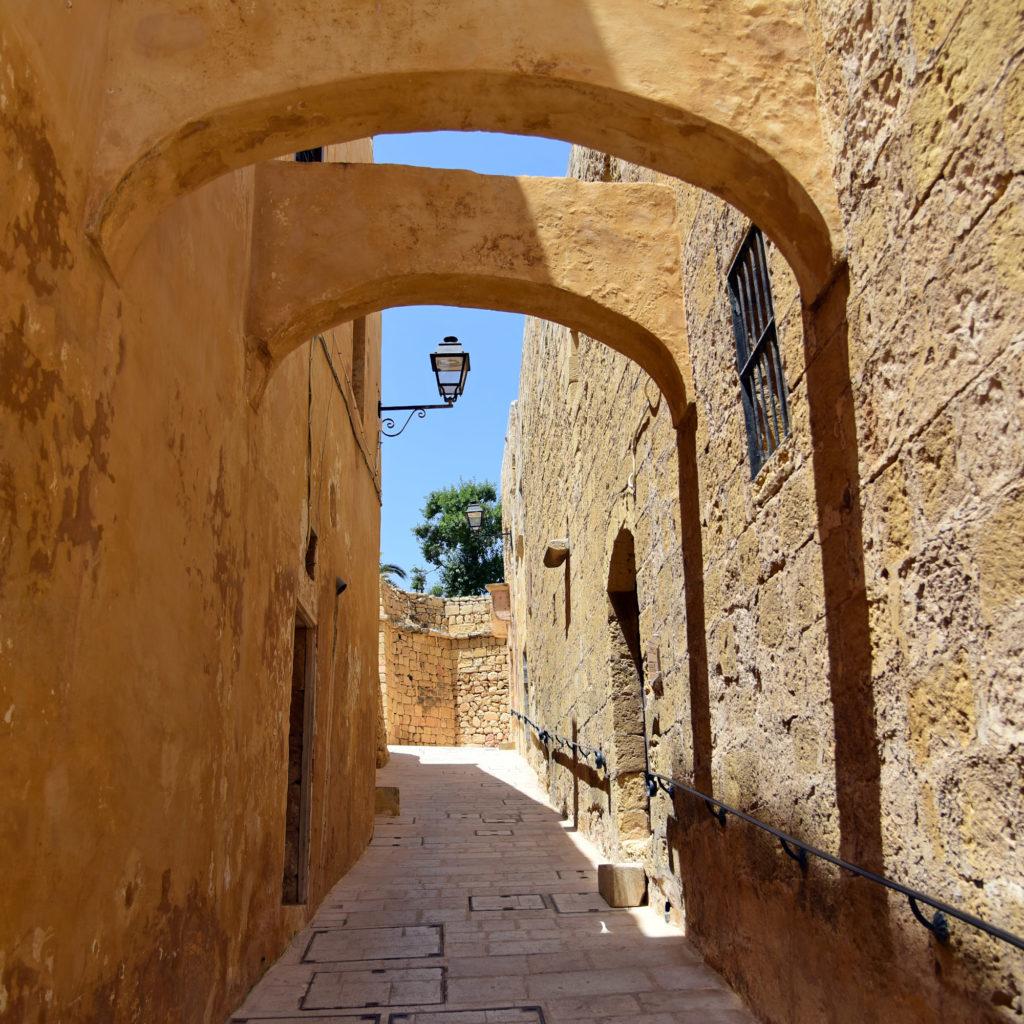 Rabat - uliczka z łukami