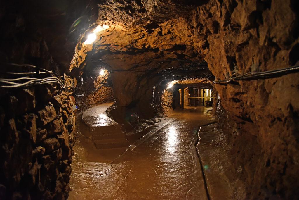 Kopalnia Srebra - chodnik przy niskiej komorze