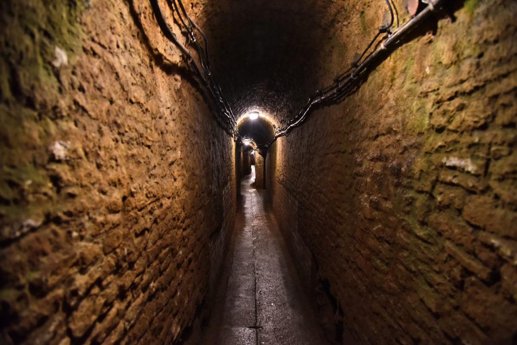 Kopalnia Srebra - wąski korytarz