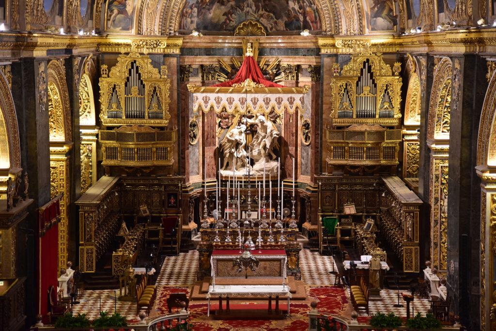 Katedra św. Jana - ołtarz główny widziany z chóru