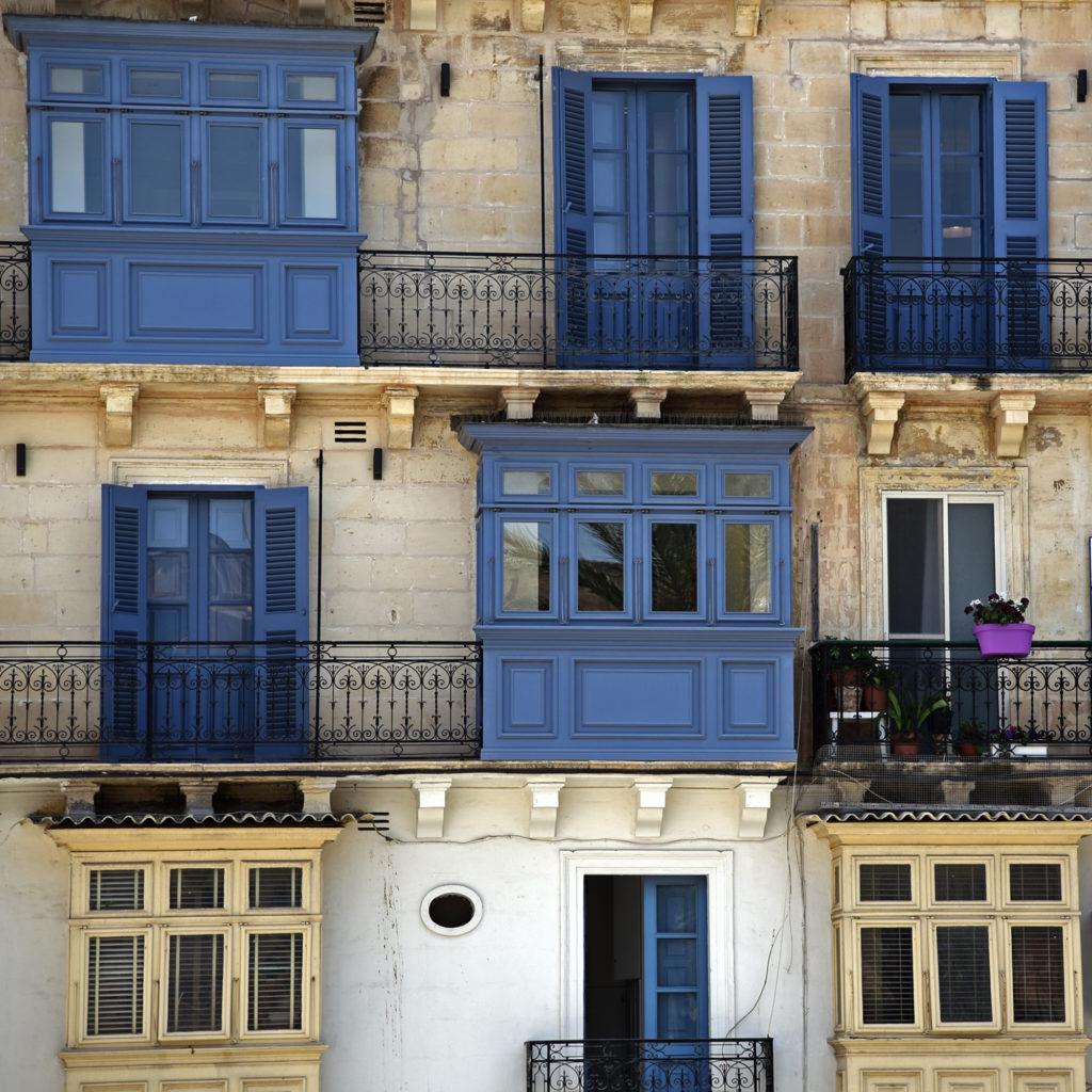Valletta - niebieskie balkony