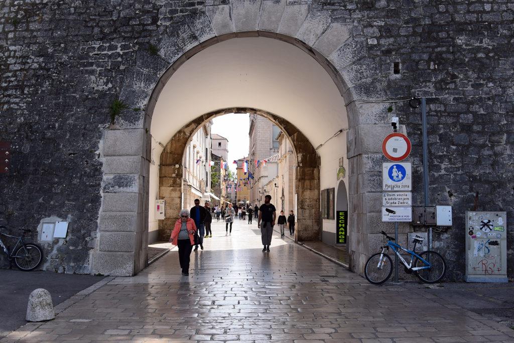 Zadar - mury obronne - jedna z brama - wejście do miasta