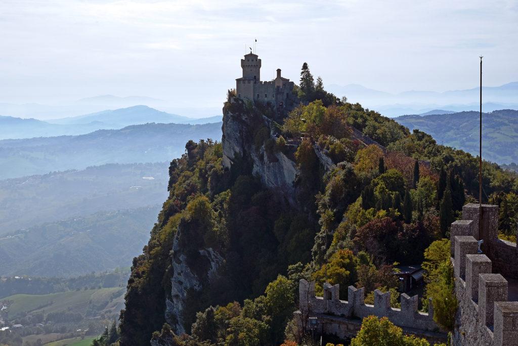 Monte Titano - druga wieża za dnia