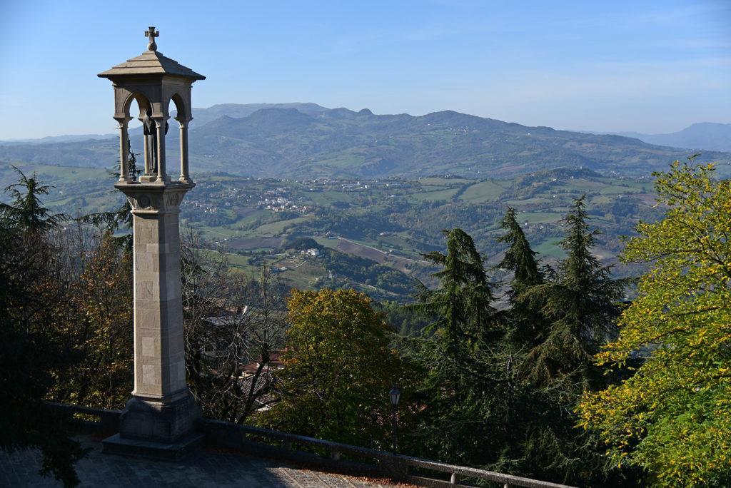 San Marino - kapliczka przy tarasie widokowym