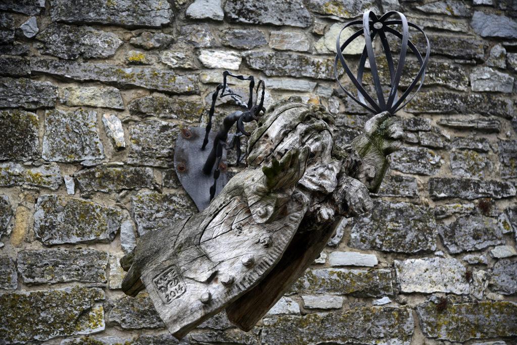 Kamieniec Podolski - pochodnia na murze twierdzy