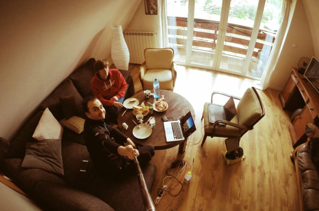 Śniadanie połączone z oglądaniem zdjęć ze zdobycia Babiej Góry