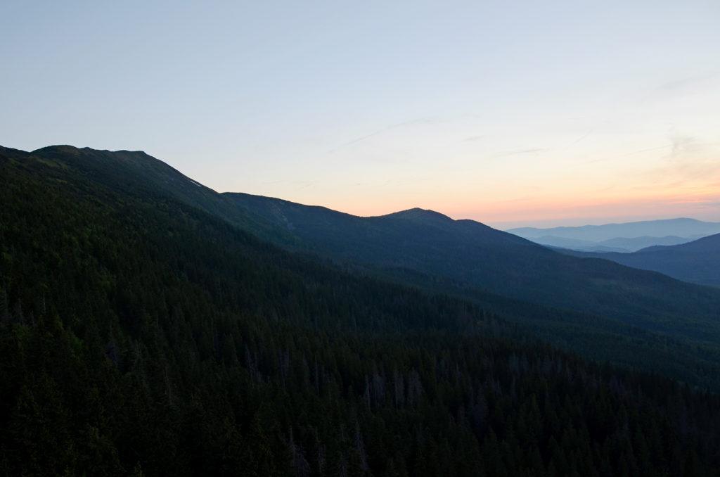 Babia Góra po zachodzie Słońca