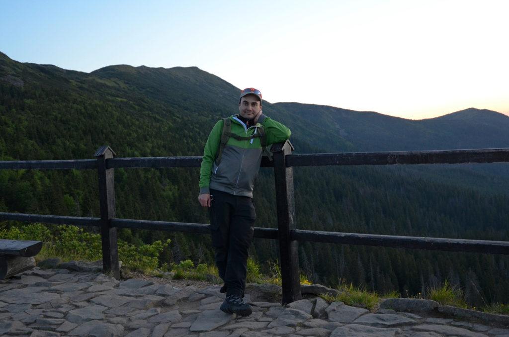 Punkt widokowy na Sokolicy - w tle Babia Góra