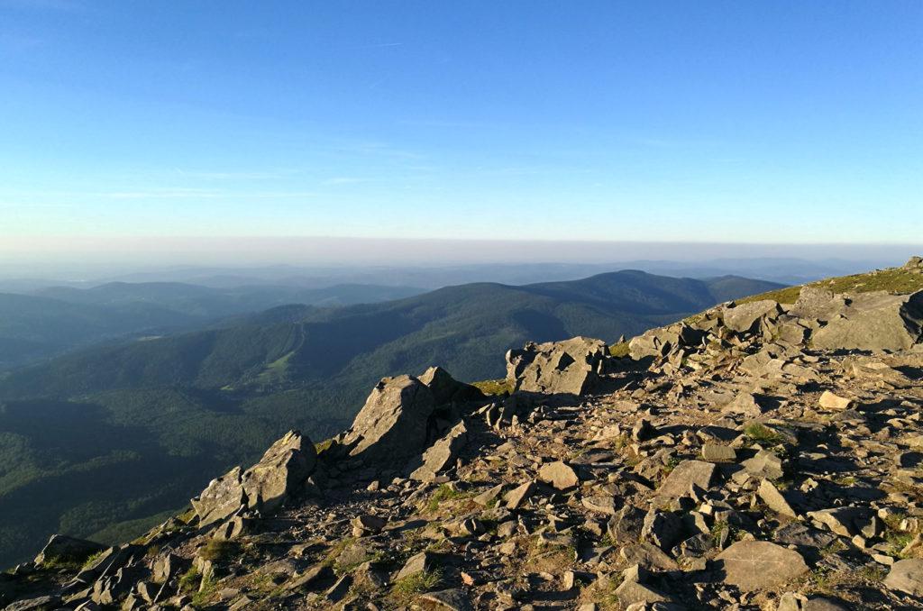 Widok ze szczytu Babiej Góry w kierunku północnym