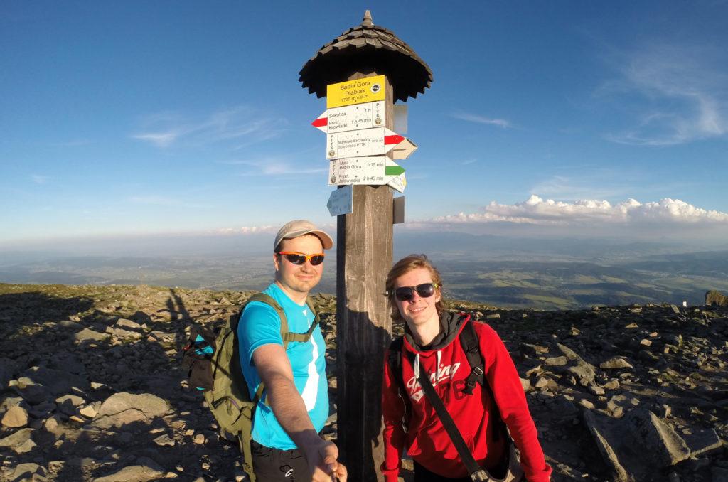 Wspólne zdjęcie na szczycie Babiej Góry