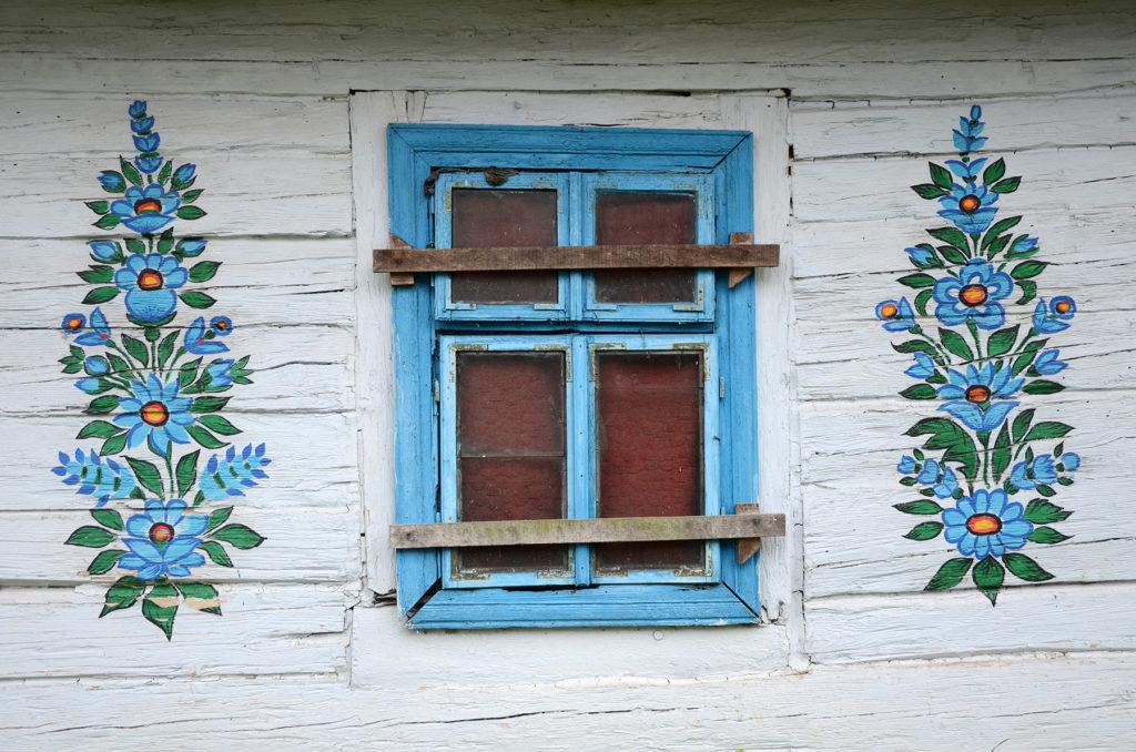 Zalipie - okno jednej z zagród
