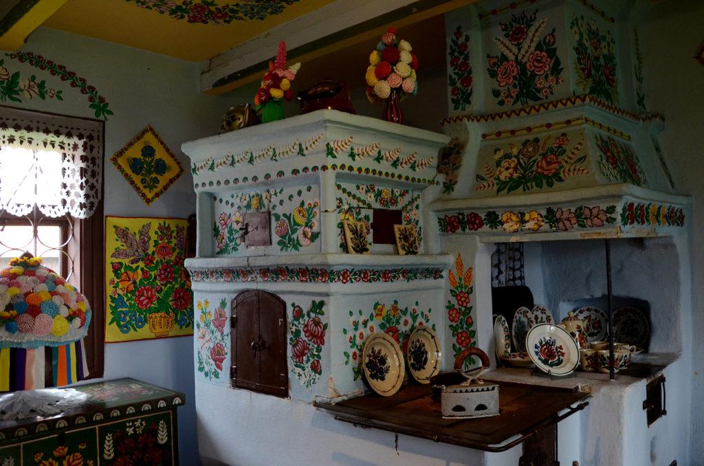 Zalipie - wnętrze domu Felicji Curyłowej