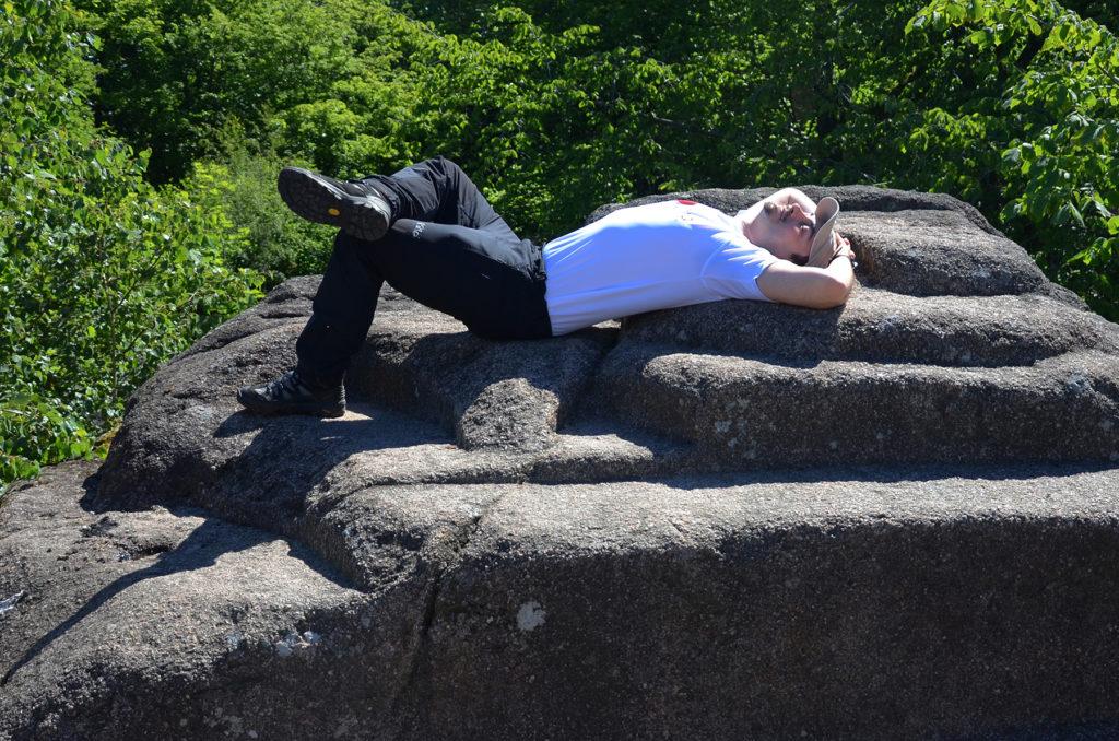 Zamek Bolczów - odpoczynek na kamieniach