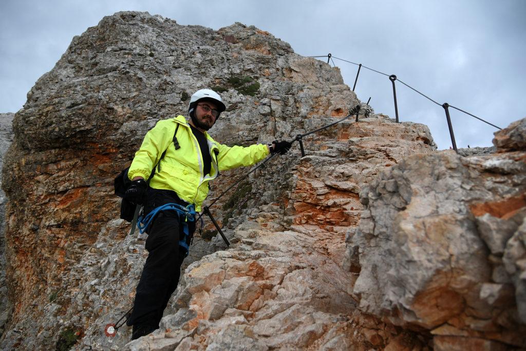 Łukasz na ostatniej prostej przed szczytem Triglava
