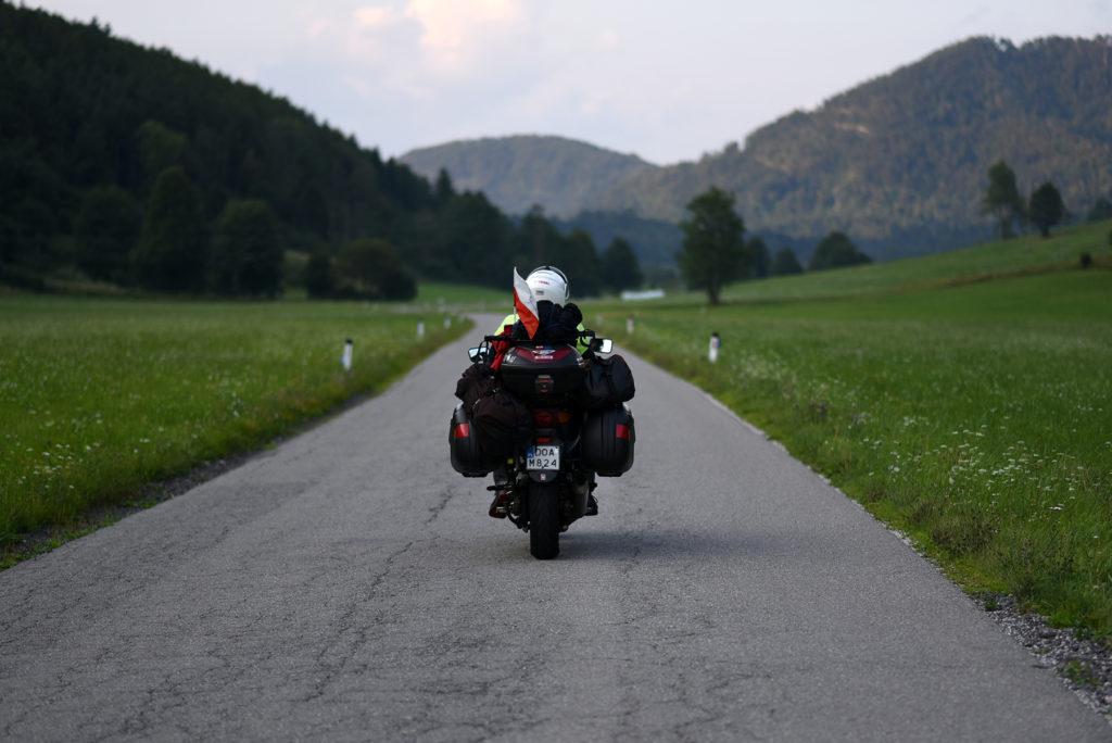 Droga w dolinie w stronę Stopnika