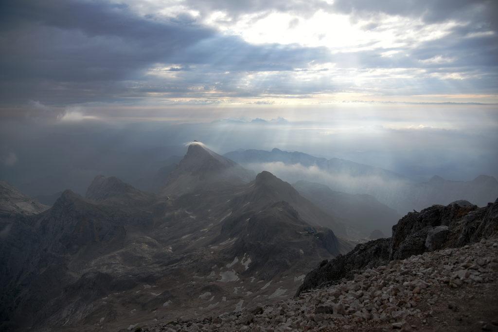 Widok ze szczytu Triglava w stronę poółnocną